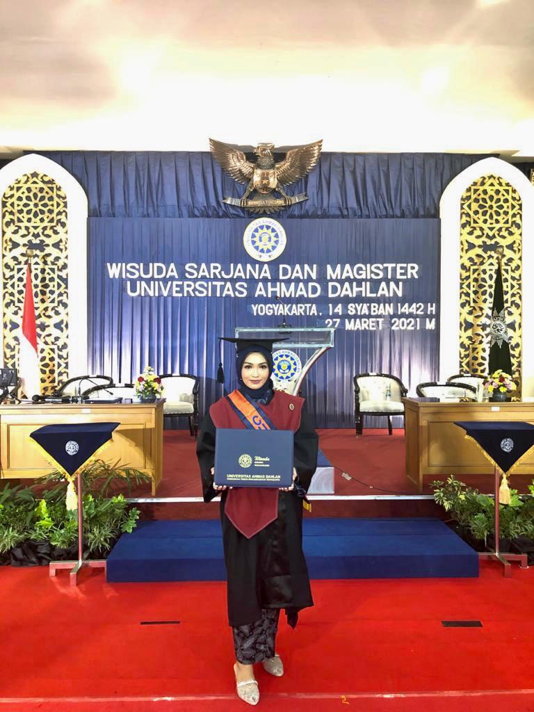 Wisudawati Terbaik UAD Periode Maret 2021 Dengan IPK 4.00  berasal Dari Prodi Ilmu Hukum